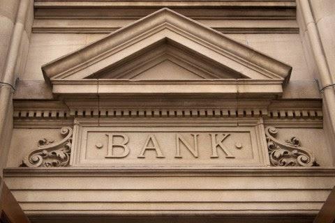 Fachada de banco tradicional