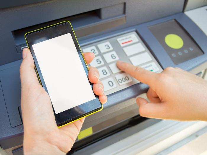 Sacar dinero en los cajeros con el móvil