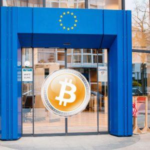 La UE anuncia normas más estrictas para bitcoin y las tarjetas de prepago