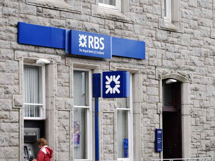 RBS anuncia el cierre de 158 sucursales, siguiendo la tendencia general de la banca