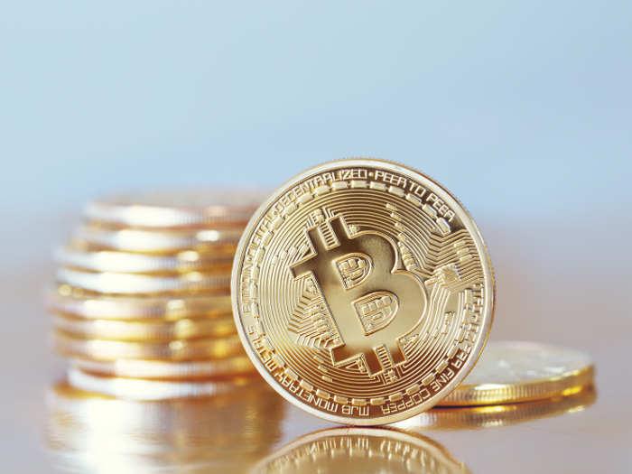 El precio del Bitcoin supera al del oro por primera vez