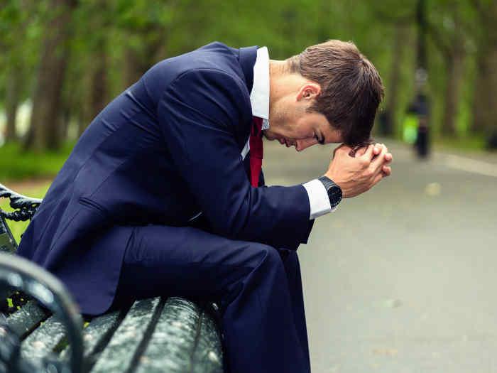 hombre-negocios-deprimido