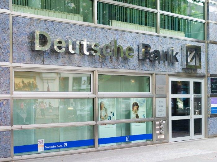 Reinvención o despidos: el CEO de Deutsche Bank comparte que sus empleados serán sustituidos por robots