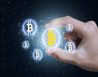 Bitcoin resurge con fuerza