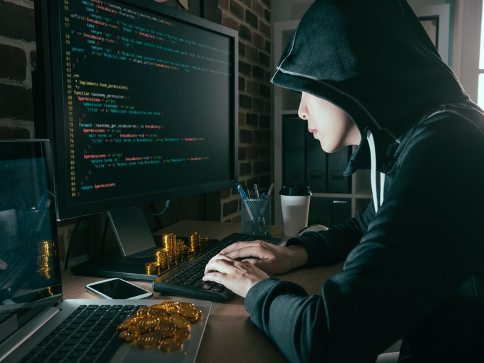 Un hacker logró descifrar nada más y nada menos que 12 claves privadas, y robar 45.000 Ethers.