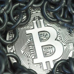 bitcoin cae por debajo de los 13000 dólares